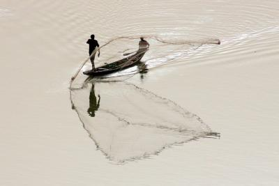 photo of fishing scene, Niamey, Niger, G. Stads